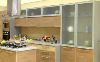 Кухонные фасады из стекла: виды, особенности, достоинства и недостатки