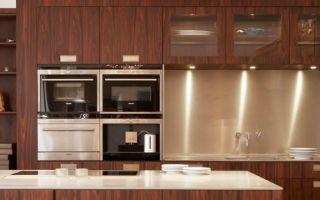 Шпонированные фасады в интерьере кухни: разновидности, достоинства и недостатки