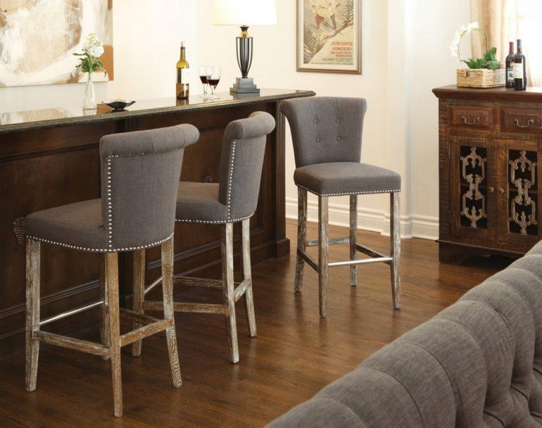 Барные стулья с тканевой обивкой