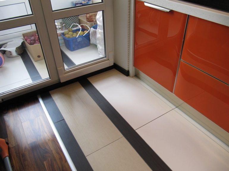 Половое покрытие на кухне должно выдерживать сильное загрязнение и падение острых и тяжелых предметов