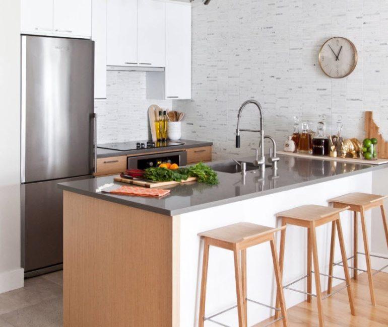 Кухонный полуостров может использоваться для размещения бытовой техники или мойки, а также служить обеденной или рабочей зоной