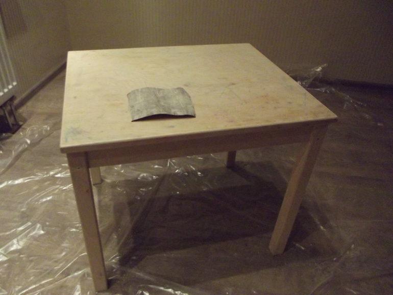 Ошкуривание поверхности стола