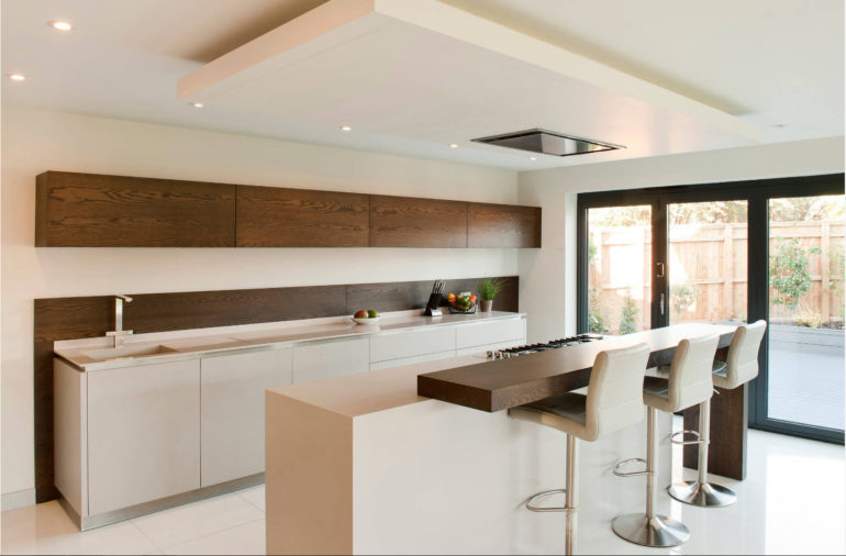 Максимальное упрощение пространства будет как нельзя кстати на современной кухне