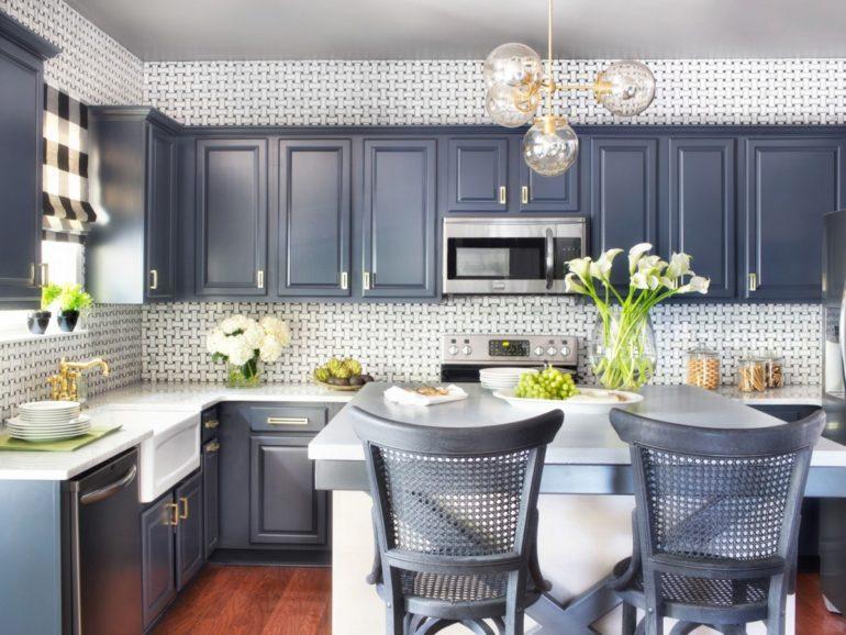 Приятные оттенки и исключительно натуральные материалы – популярные на сегодняшний день тренды оформления кухни