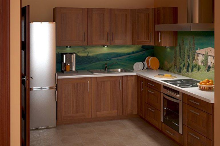 """Расположение мебели в виде буквы """"Г"""" оптимизирует пространство, оставляя достаточно места для комфортного передвижения по кухне"""