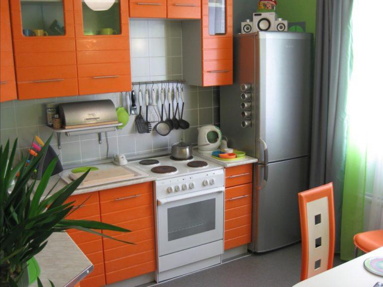 Взвешенный подход к дизайну позволит создать уютную кухню и избежать превращения помещения в кладовую, заставленную техникой и мебелью