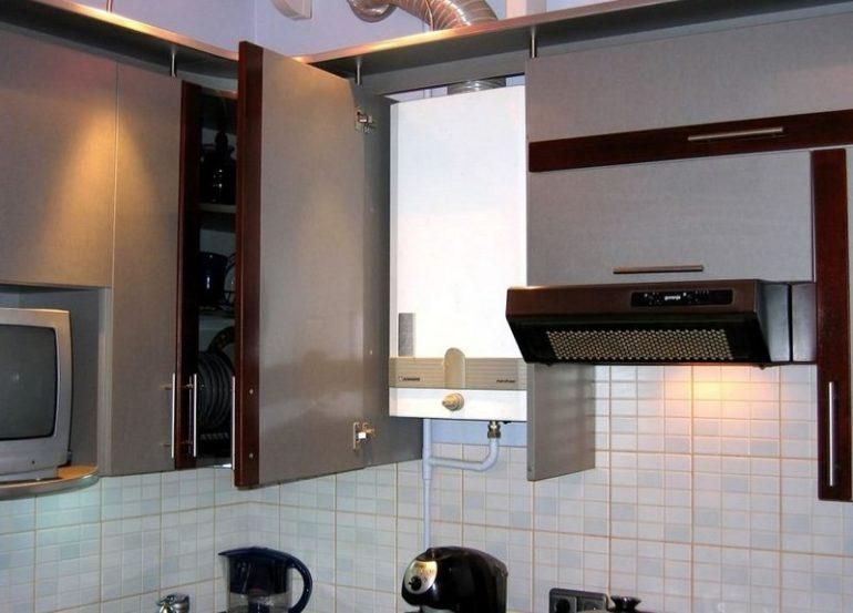Для лучшего теплообмена рекомендуется использовать шкафчики без верхней и нижней планок