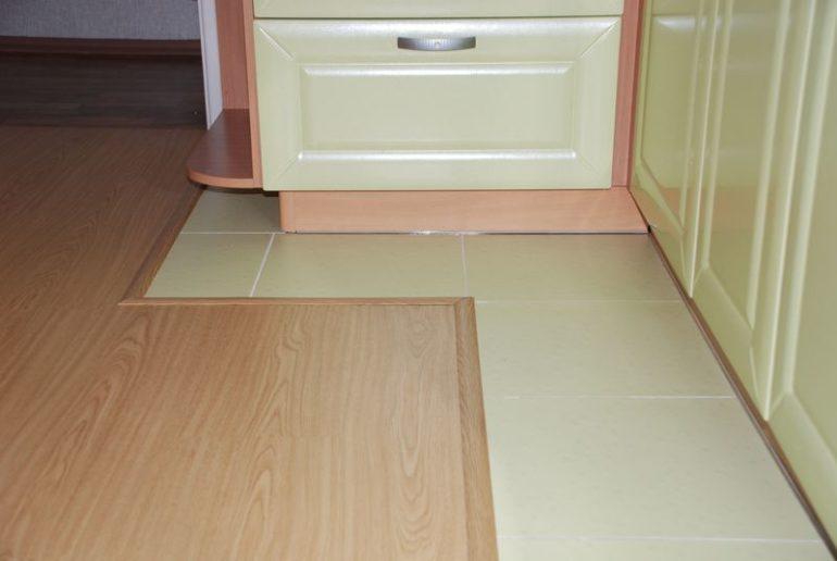 Функциональное зонирование с помощью различного напольного покрытия