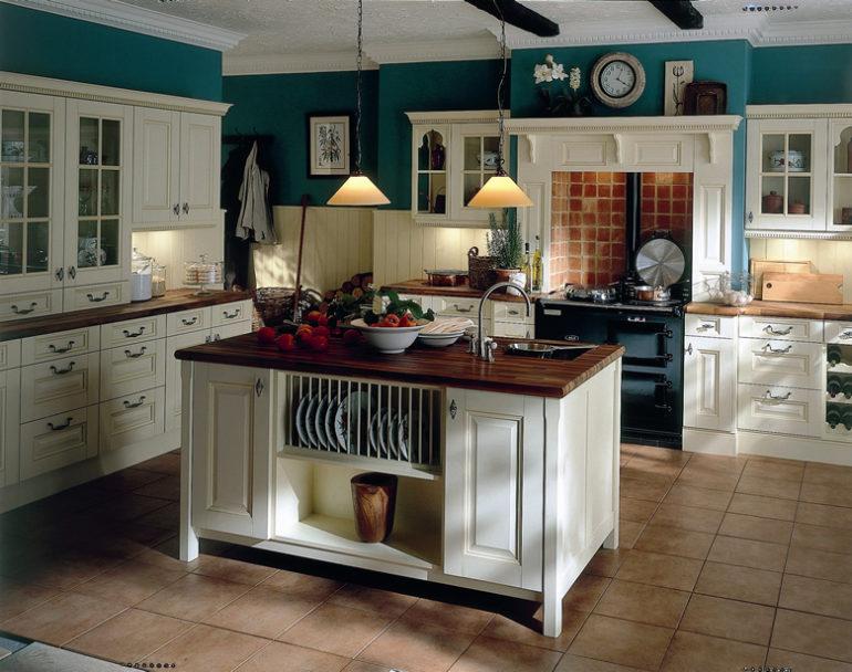 В кухонный остров могут быть встроены бытовые приборы или системы хранения