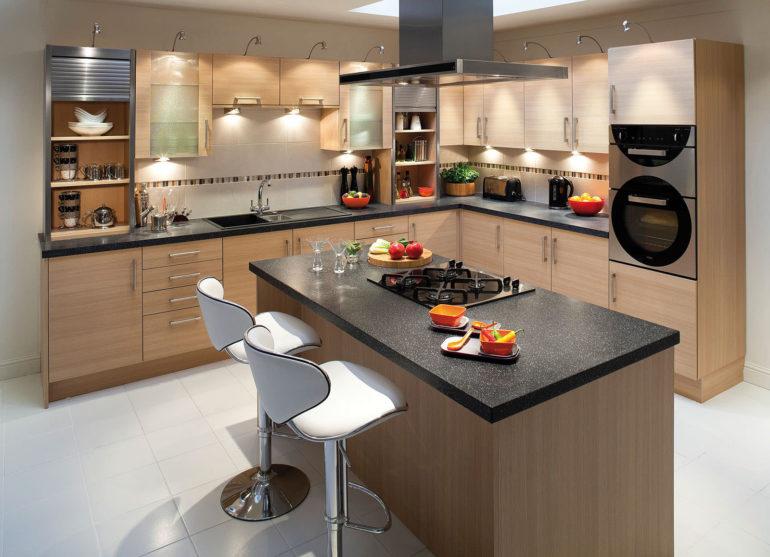 Цветовое и стилистическое решение кухонного острова должно выступать в гармонии и балансе с остальным декором помещения
