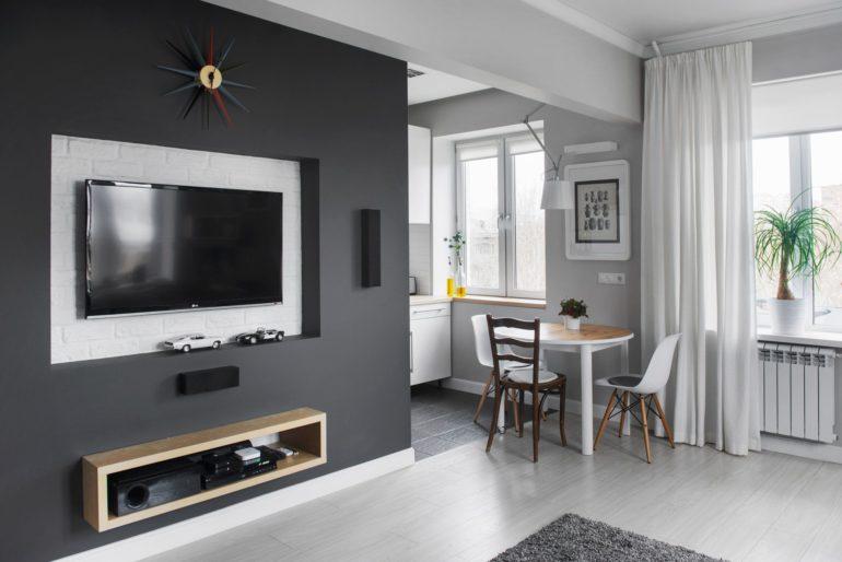 Отсутствие перегородки позволяет сдвинуть обеденную зону в строну комнаты