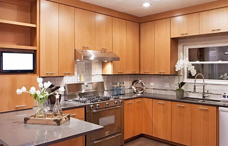 Рабочая зона – это то, что объединяет абсолютно все кухни независимо от количества и способов расстановки мебели и техники