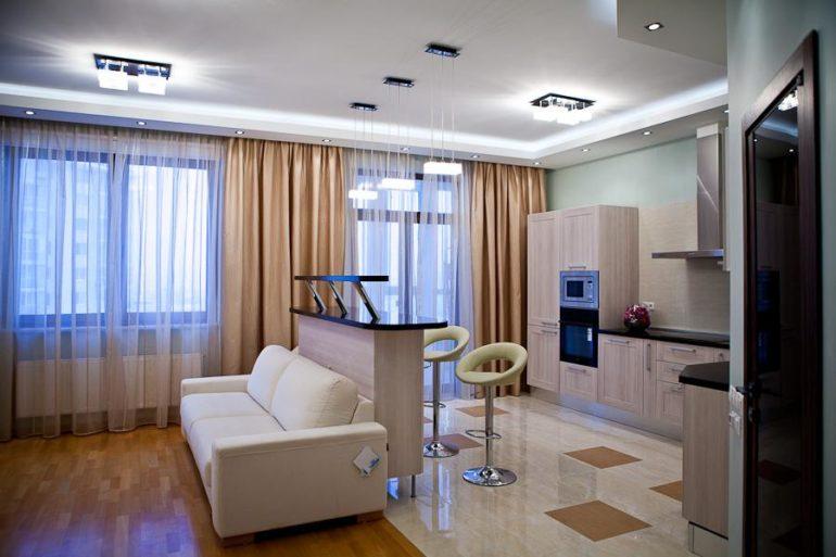Подвесные светильники – наиболее удачный вариант для отдельного освещения каждой зоны на кухне