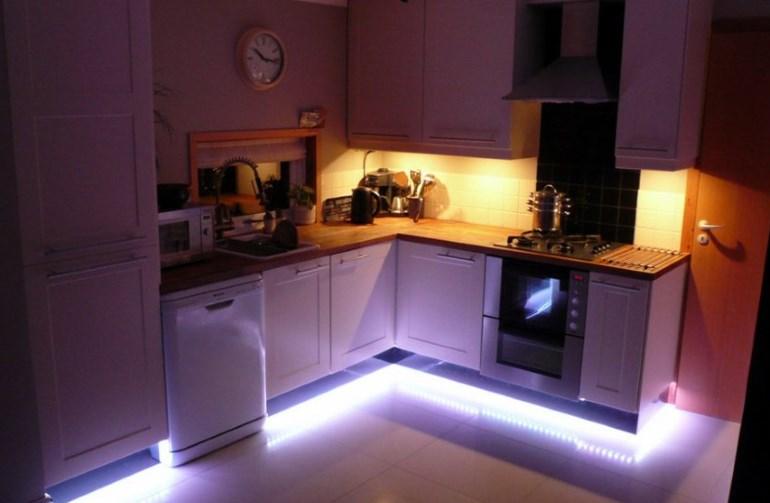 Светодиодная подсветка основания шкафов кухонного гарнитура
