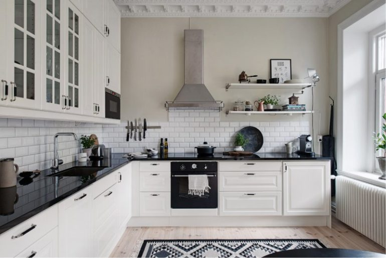 Угловая планировка может не подойди лишь для очень узких и слишком больших кухонь