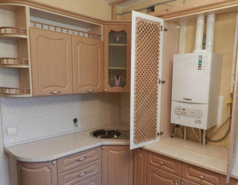 Решетчатая дверца для лучшей вентиляции отсека для газового котла