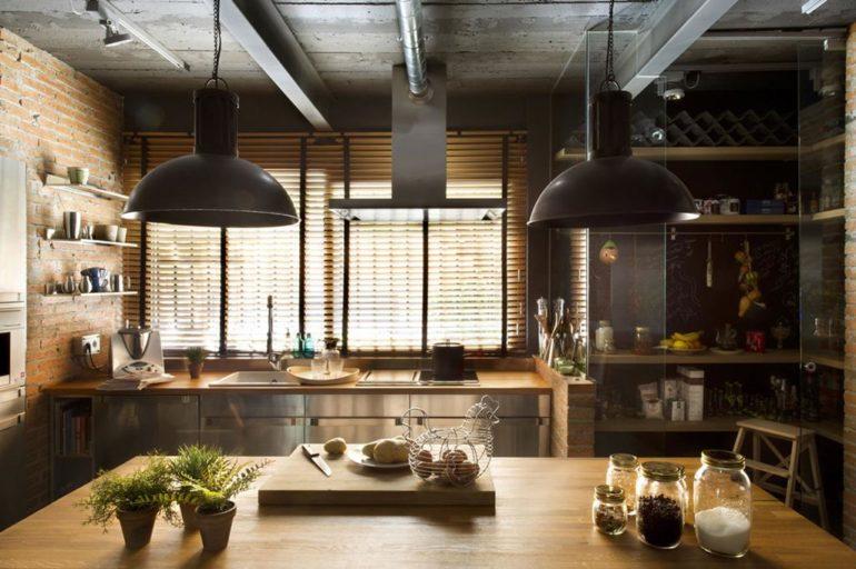 Стиль лофт требует достаточно много пространства и необычных сочетаний мебели и отделочных материалов