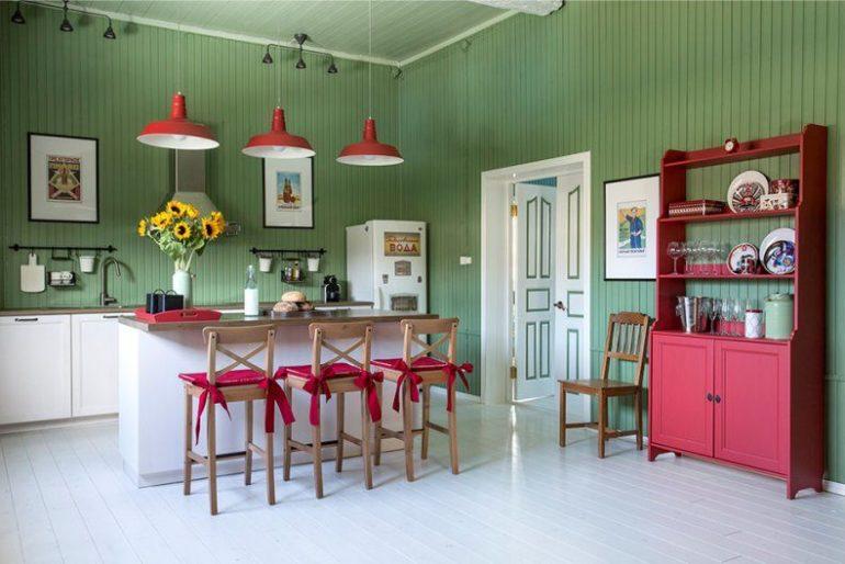 """Лучше всего на даче приживаются традиционные """"деревенские"""" стили, безупречно сочетаемые с природным ландшафтом и деревянными поверхностями"""