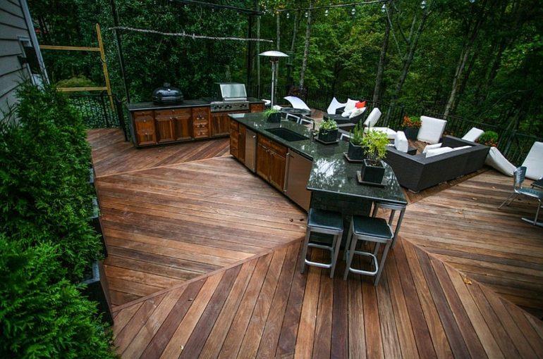 Открытая летняя площадка для отдыха и готовки