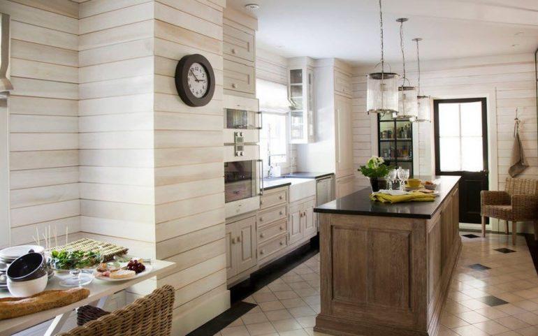 Реечные наборные панели в интерьере кухни