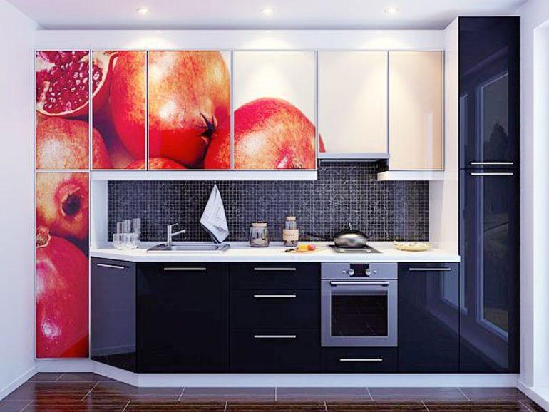 Кухонный гарнитур с фотопечатью на стеклянном фасаде