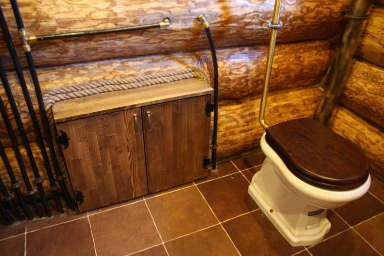 Организация туалета в бревенчатой бане