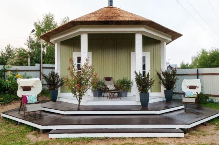 Открытый летний гриль-домик