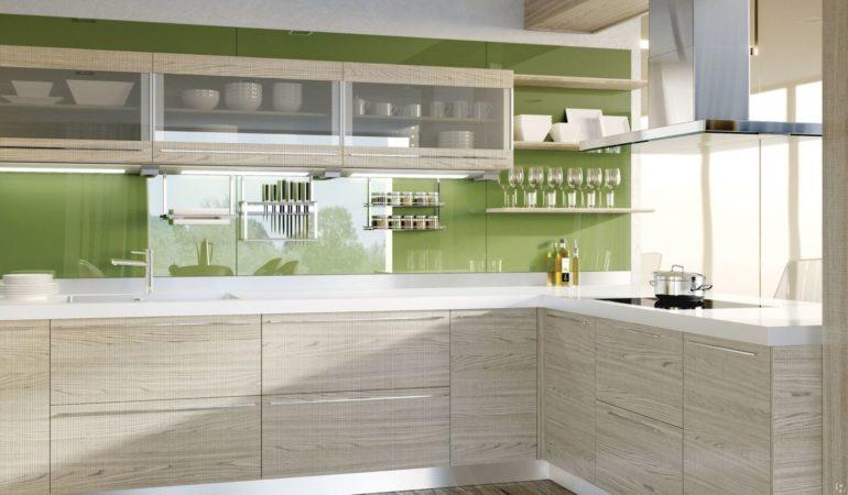 Отделанные шпоном кухонные фасады выглядят весьма привлекательно и многим доступны по цене