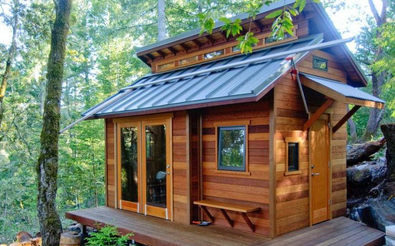 Чаще всего для постройки летней кухни используется дерево в сочетании с камнем или кирпичом